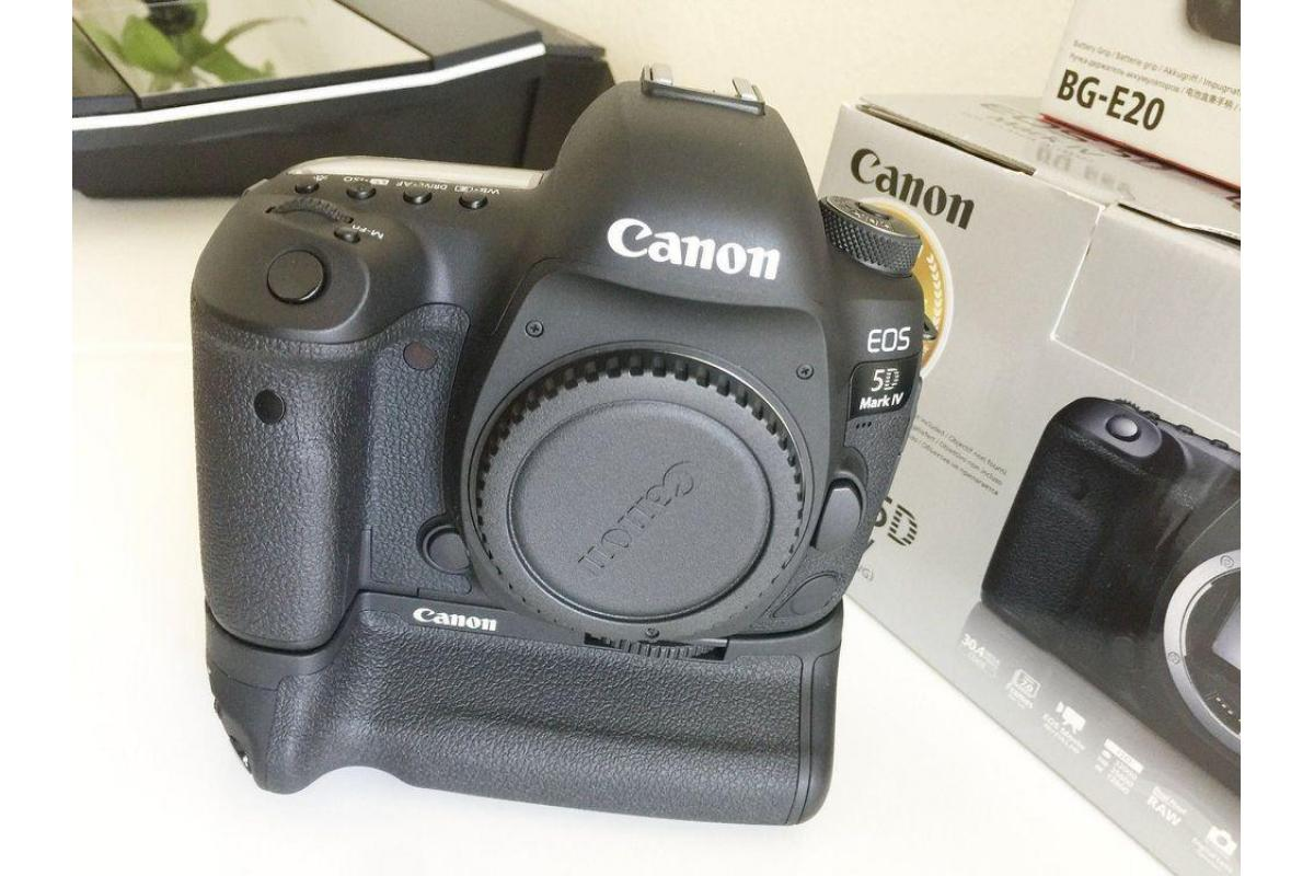 Canon EOS 5D Classic Camera-28-135mm Ultrasonic Lens-Filters-Flash-Accessories - 1/2