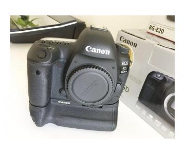 Canon EOS 5D Classic Camera-28-135mm Ultrasonic Lens-Filters-Flash-Accessories