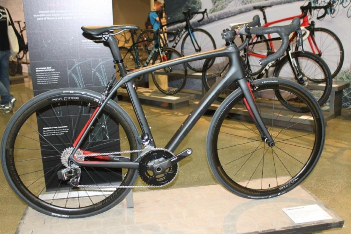 2021 Specialized Epic Pro - 1/3